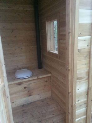 sheds_and_outbuildings_outhouse 2